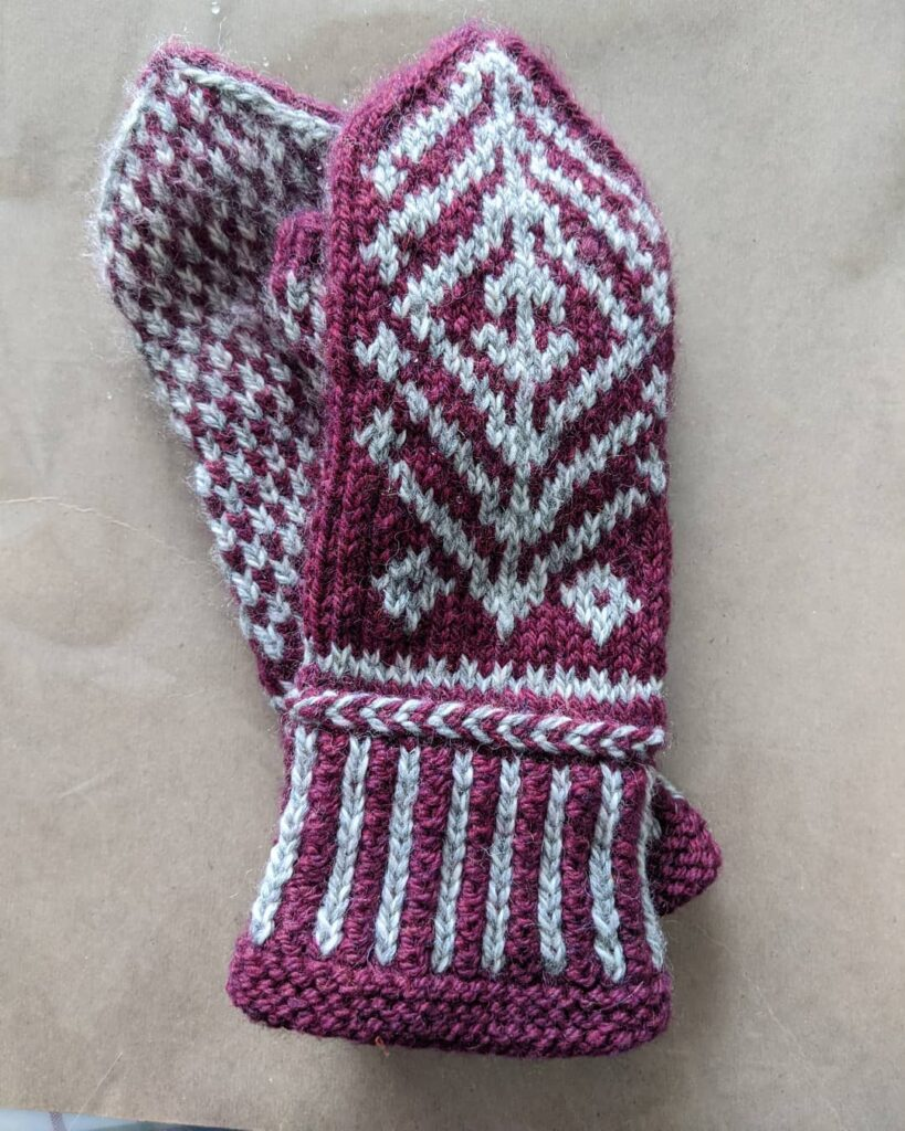My Christmas mittens that my sister @lovemombo  knitted, are great for snowy days. We just cleared out our two driveways and decks. Not much snow fell and it is