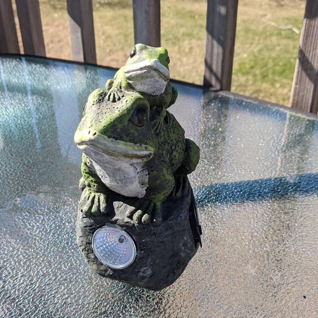 Solar panel garden ornament, soaking up the sunshine, so it will shine tonight!! All my garden ornaments got left behind in NL during the move. I thought they had been