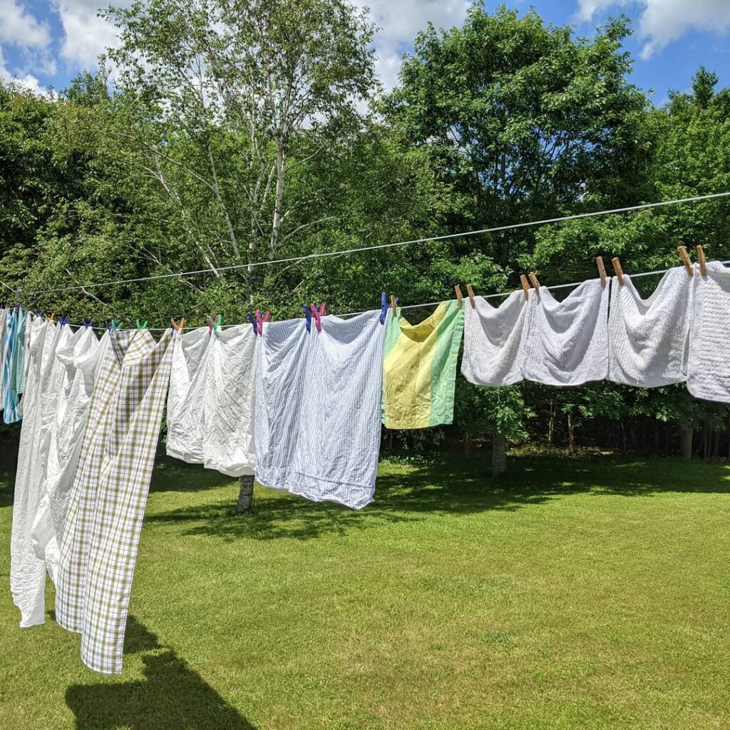 A tribute to mom today who loved to hang out her laundry. Mom passed peacefully away yesterday afternoon, June 19/21 - five months short of her 100 birthday. Love you mom ❤️❤️❤️❤️❤️